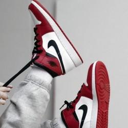 Обзор Nike Air Jordan 1 Mid Chicago 554724-173